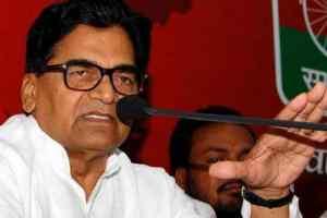 होली पर रामगोपाल ने सरकार पर बोला हमला, कहा - वोट के लिए मारे जवान