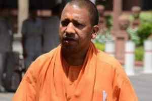 मुख्यमंत्री योगी के पहली कैबिनेट बैठक में 3 मंत्री दे सकते हैं इस्तीफा