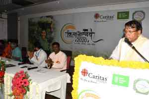 किसानों से मिले जनसंपर्क  मंत्री शर्मा