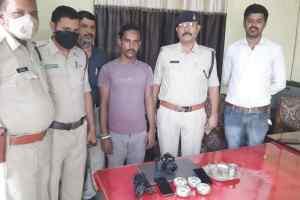 Bhopal Local News : स्मार्ट फोन चुराने के शौकीन आरोपी, 11 मोबाइल के साथ गिरफ्तार